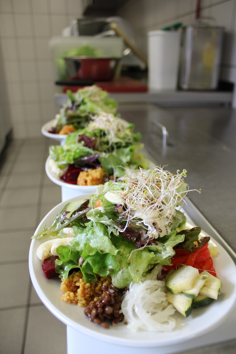 Küche - kleiner gemischter Salat